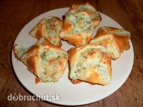 Fotorecept: Bryndzové kapsičky s pažítkou - Chrumkavé snacky pre milovníkov bryndze. :-)