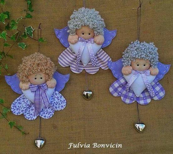 angelitas con corazón y cascabel
