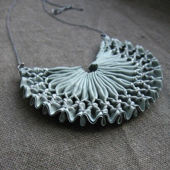 Smocked Textile Necklace - fabric manipulation for jewellery design - contemporary smocking applications // Tinctory #textiles