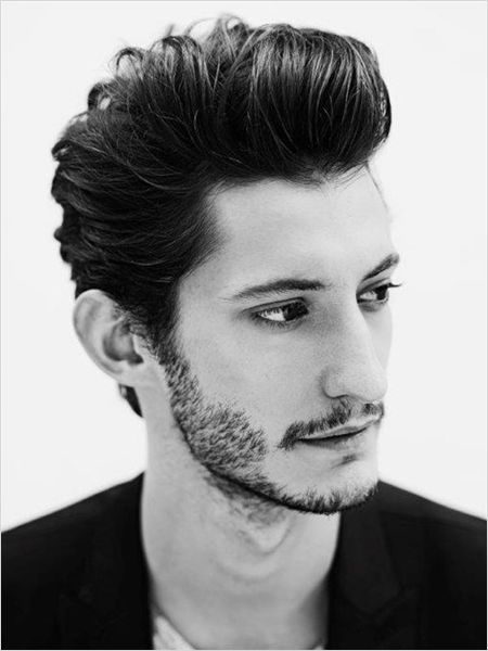 Affiche Pierre Niney                                                                                                                                                                                 Plus