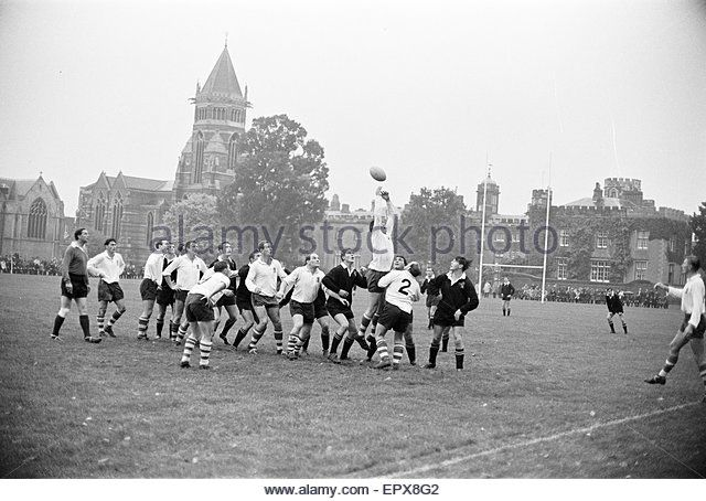 Warwick v London Wasps, Rugby Union match at Rugby School, Rugby, Warwickshire, October 1966. - Stock Image
