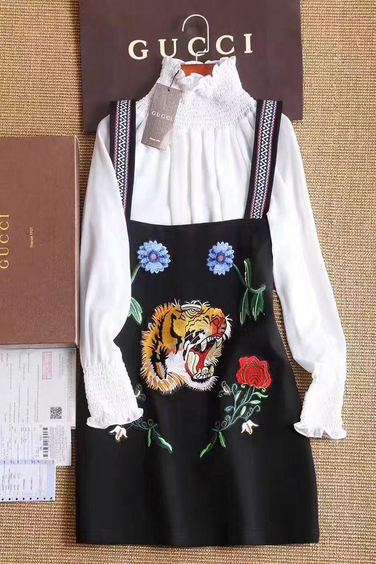 🐯Дизайнерские платья Гуччи в двух цветах! Платье из двух частей. Цвета черный и белый. Яркая дизайнерская вышивка. Ткань хлопок. Размеры S M L Цена 6700