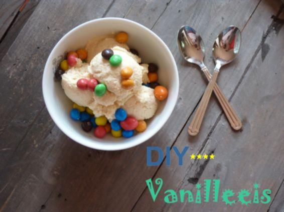 Heiße Tage stehen vor uns!!! :-) Wer freut sich da nicht über ein #selbstgemachtes #Vanilleeis. Folgende Zutaten benötigt ihr: 100 g Rohrzucker, 450 g Sahne, 2 Eier, 220 ml Milch, 1 TL Vanillezucker