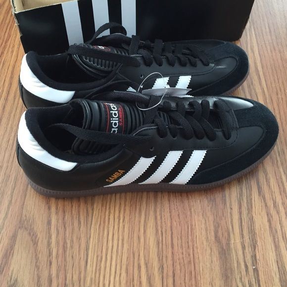 NEVER WORN Adidas Samba Indoor Soccer Shoes! These Adidas Sambas are brand new still in the box with tags on them! Size 6 1/2 perfect condition! Never worn Adidas Shoes