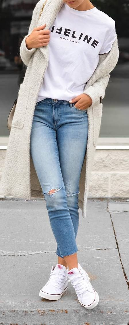 Casual outfit idea: coat + top + jeans
