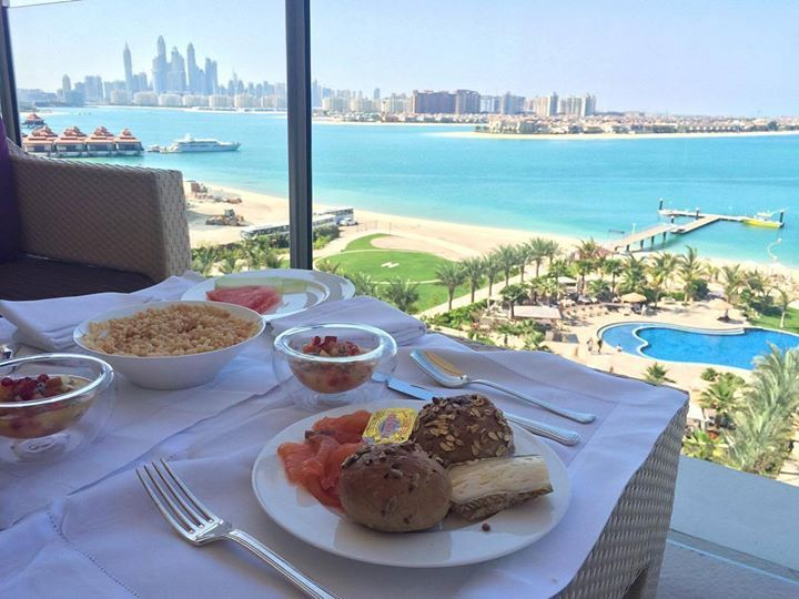 Hotels-live.com/pages/sejours-pas-chers - Good morning Dubai  what a breakfast palm view @waldorfdubai  see more of the Dubai adventure on snapchat: missseverywhere #hello#dubai #waldorfastoriadubai #palmdubai #breakfastview #uae #instafood #fruits #teatime #traveling #reisen #dubailife #goodtimes #aroundtheworld #misseverywhere #travelblogger #reiseblogger #besthotels #beachlife #goodtimes Hotels-live.com via https://www.instagram.com/p/BDVGojPHevV/