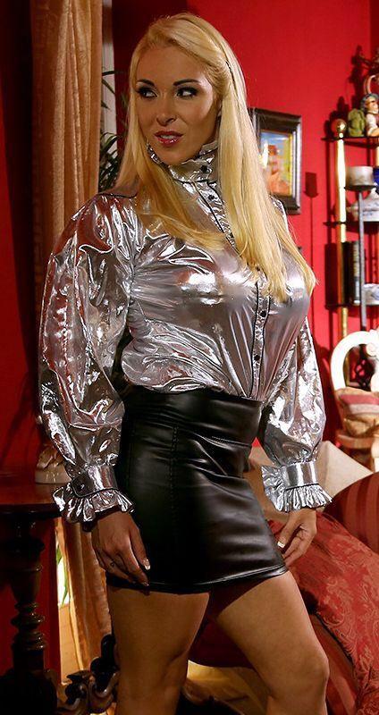 Blondie in leggings und der anal dildo bostero - 4 5