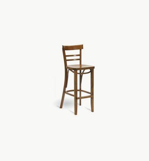 Barstol i trä som går att få med stoppad sits, många tyger att välja på.  Ingår i en serie med vanlig stol. Barstolen är tillverkad i trä med bets samt att det går att få sittskalet stoppat/klätt. Stolen väger 6 kg, vilket är något lättare i vikt för att vara en barstol. Tyg Lido 100 % polyester, brandklassad. Tyg Luxury, 100 % polyester, brandklassad. Konstläder Pisa, brandklassad, 88,5% PVC, 11,5% polyester. #azdesign #barstol #brun #inredning #pagedmeble