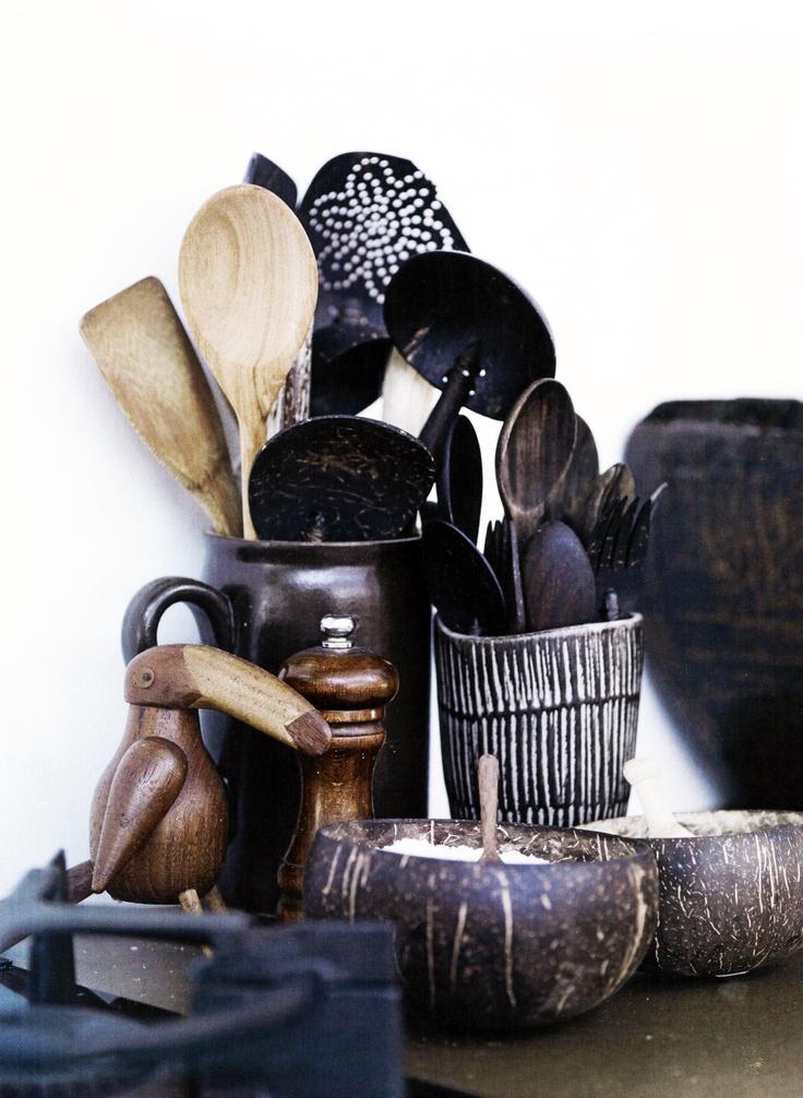 afrikaans geinspireerde keukenhulpen, passen bij de Natuurlijke etnische stijl.