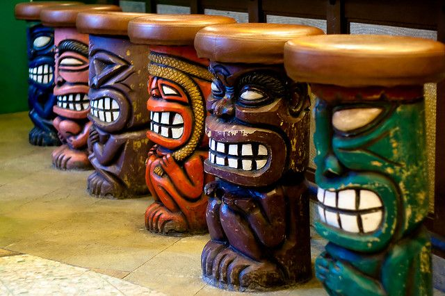 outside tiki bar stools 2