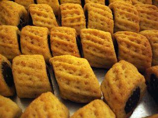 libyan food: Date Filled Semolina Cookies: Magroodh مقروض ليبي