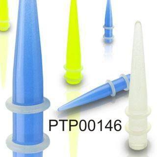 Roztahovák do ucha ozdobený gumovými kroužky PTP00146. Roztahovák ve tmě svítí a je dostupný v různých barvách. http://www.piercingate.cz/roztahovak-do-ucha-ptp00146