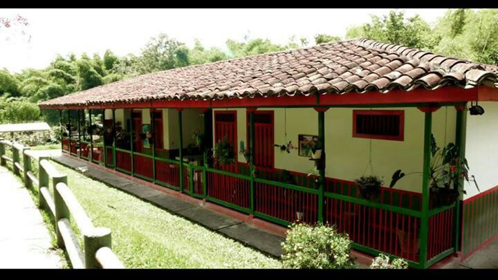 ¡¡¡CASA TIPICA CAMPESINA PAISA,COLOMBIA!!T