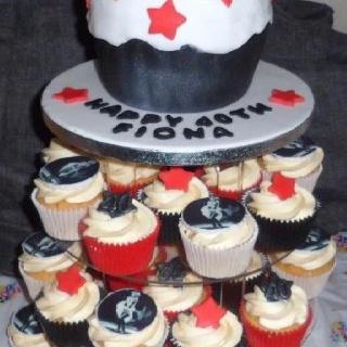 Marilyn M Cupcake n giants x