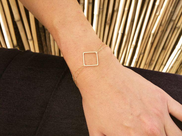 Delicate Gold Bracelet - Gold Square Bracelet - Dainty 14k goldfilled bracelet, Gold jewelry, Simple gold bracelet, Everyday jewelry - Laur's Wedding?