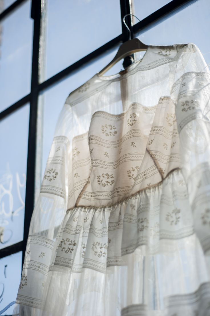 Il Sogno Atelier mussola di cotone ricamata e tulle plissé made to measure with love #weddingdress #matrimonio #madetomeasure
