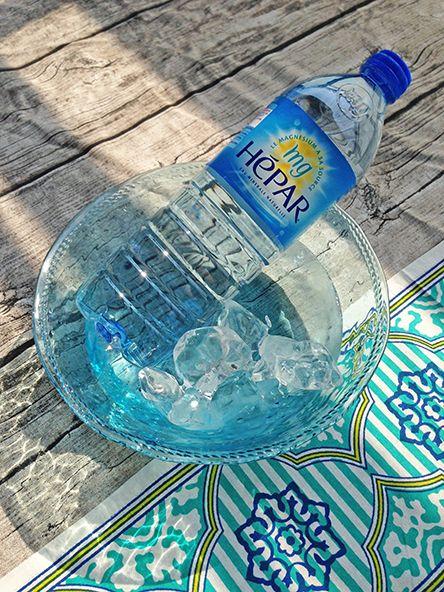 店長ブログより「 夏真っ盛り!今年は例年以上の猛暑!!海水浴、BBQ、キャンプなど、外での夏レジャーを楽しむためには、①水分補給②ミネラル補給③塩分補給④十分な睡眠が大切。今年は夜もとても暑いので、花火大会などでも熱中症に注意です☝超硬水のHEPAR(エパー)なら水分だけでなく、豊富な天然カルシウム・天然マグネシウムと適度なナトリウムも同時に摂取できるので夏レジャーのお供に最適。頭痛や吐き気など、具合が悪くなってしまう前に、こまめに飲んで元気に夏を満喫しましょう☆☆ #水分補給はミネラルウォーターで #汗をかく時は軟水より硬水 #よく寝ることもとっても大切 」 #エパー #hepat #硬水 #超硬水エパー