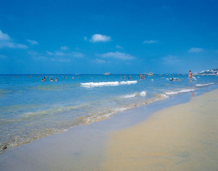 Kumköy plajı/Side/Antalya/// Side'ye 5 km mesafede olan Kumköy'ün denizi sığ ve sahil tamamen kumdan oluşuyor.