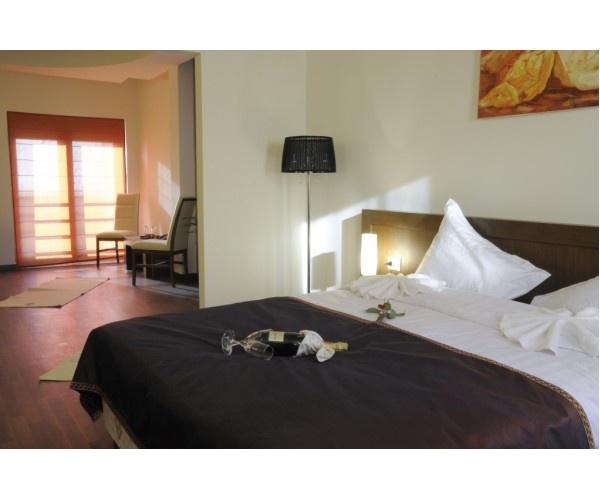 Unul dintre  hotelurile  Phoenicia din Bucuresti, situat  pe sos Bucuresti - Targoviste. Servicii  impecabile, 4 stele , tarife  avantajoase.  Informatii  hotel Phoenicia Comfort / http://www.hotel-bucuresti.com/hoteluri/hotel_phoenicia_comfort_-30.html