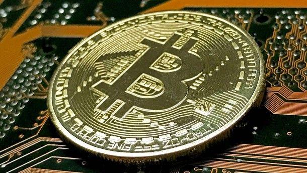 Bitcoin-Hype : Warum staatliche Währungen immer noch überlegen sind http://www.faz.net/aktuell/finanzen/finanzmarkt/warum-kryptowaehrungen-wie-bitcoin-kein-segen-sind-15377793.html