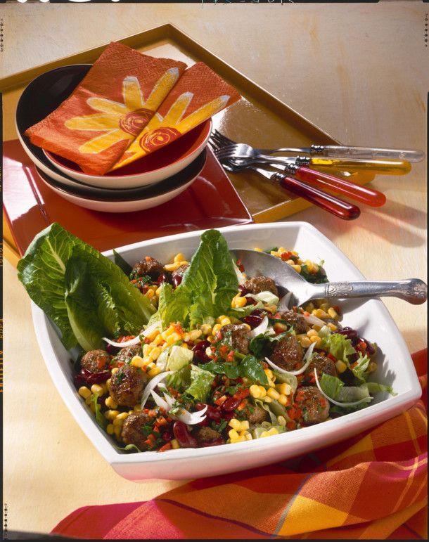 Unser beliebtes Rezept für Rote Bohnensalat mit Kräuter-Mini-Frikadellen und mehr als 55.000 weitere kostenlose Rezepte auf LECKER.de.
