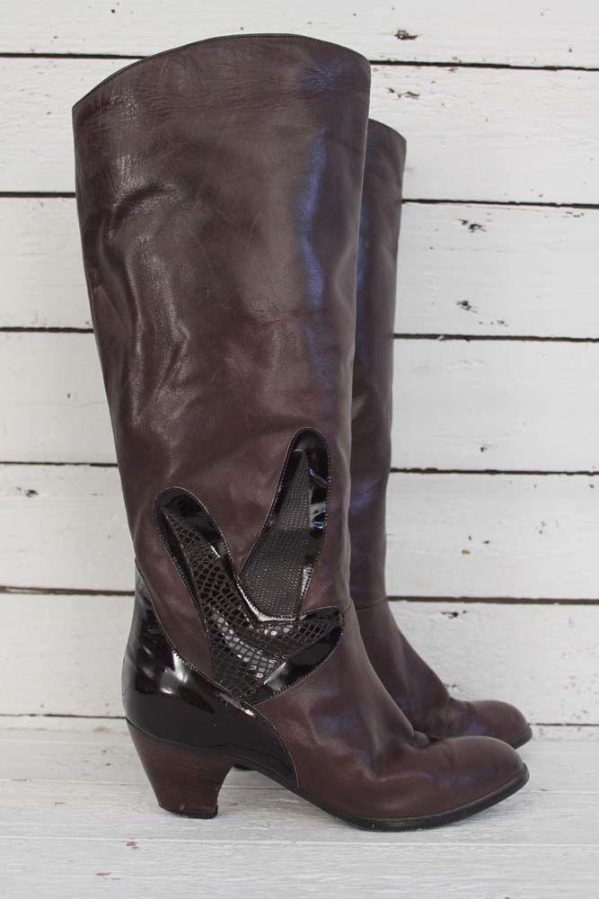 How elegant are these vintage boots?? Prachtige bruine vintage laarzen met applicatie van lakleer. www.sugarsugar.nl