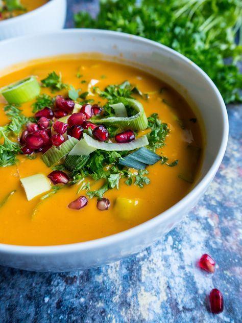 Nem, sund og indisk suppe opskrift! I Indien kaldes indisk karrysuppe 'Mulligatawny suppe' og laves normalt med kylling. I stedet for kylling kan du...