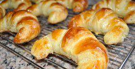 Oh là là!!   Croissants français sont les meilleurs dans le monde!!.   No, no se mucho francés, pero para decir que: Los croissants frances...
