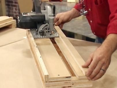 By using a homemade crosscut platform, you can take the guesswork out of angled cuts with a circular saw. The experts at the DIYNetwork.com show you how.