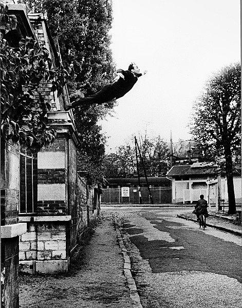 YVES KLEIN obsession de la levitation