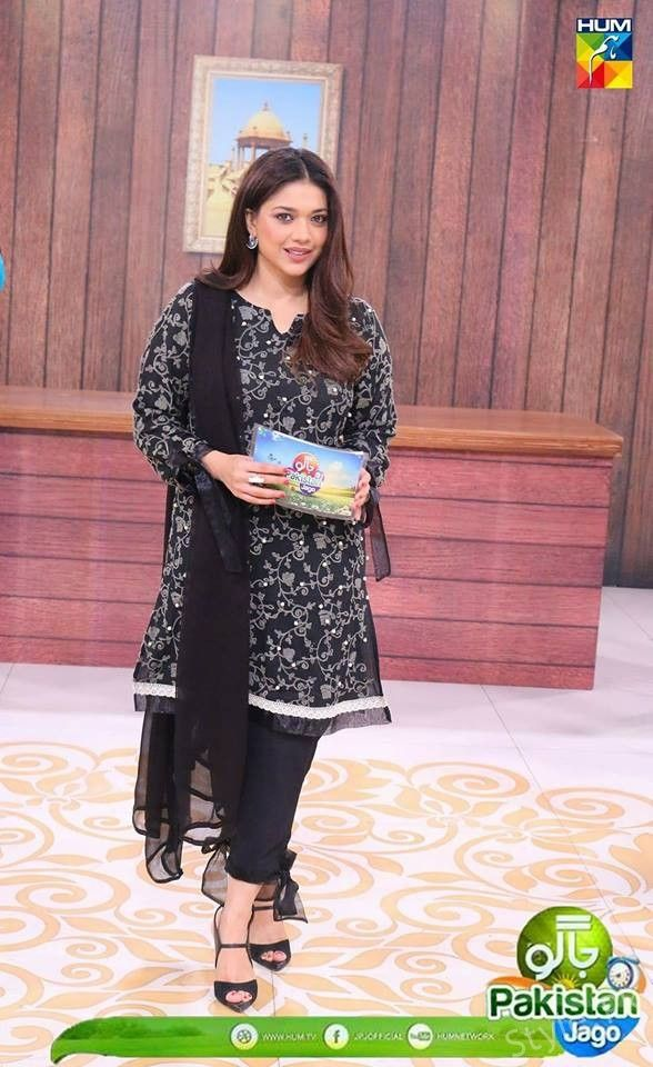 Different Looks of Sanam Jung at Morning Show pakistan