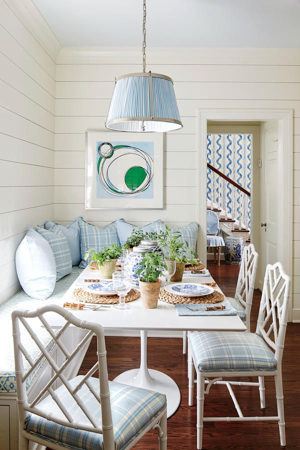 Chippendale chairs | Dining Table | Breakfast Nook | Table Setting | Blue and White