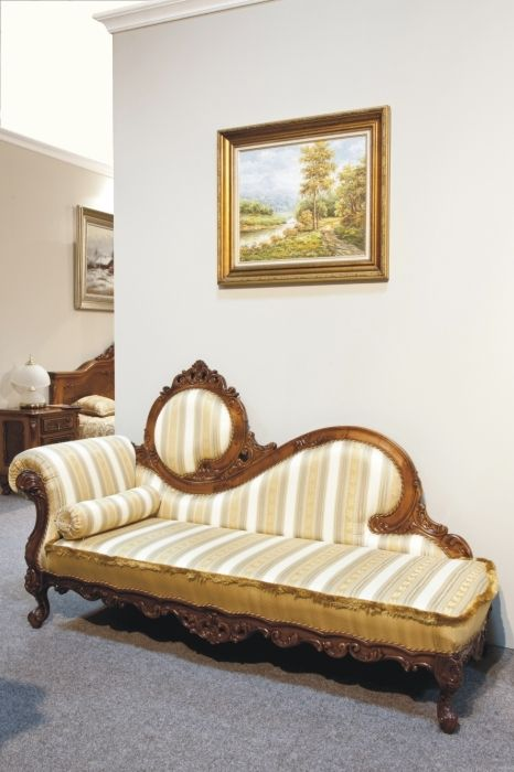 Cleopatra Sofa Design