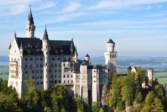 """Castelo na Alemanha, O nome Neuschwanstein significa, em alemão, """"Novo Cisne de Pedra"""""""