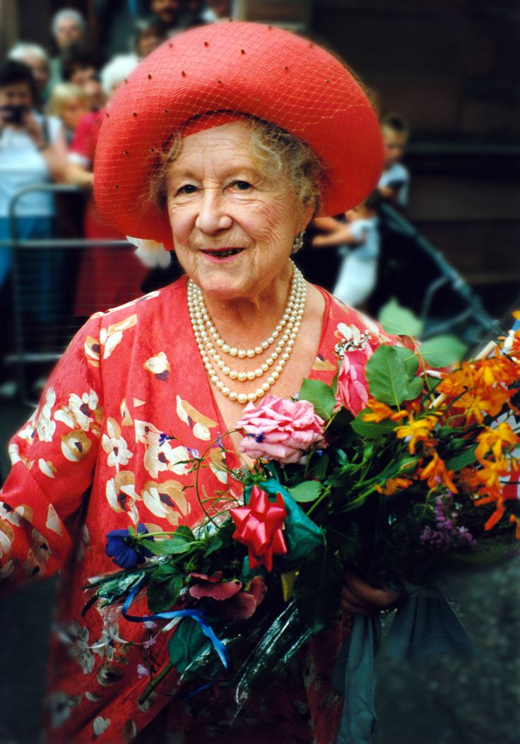 Queen Mother -  Elizabeth Angela  Marguerite Bowes-Lyon (4 Aug 1900 - 30 Marc 2002) She was loved by everyone.
