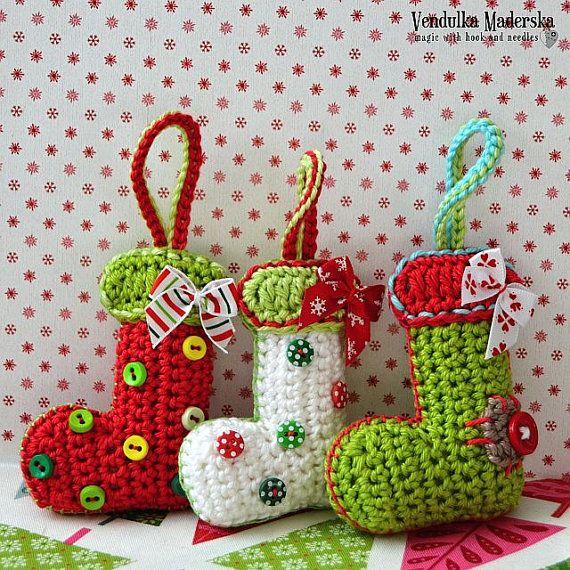 Calcetines de Navidad ornamento crochet patrón de DIY por VendulkaM en Etsy