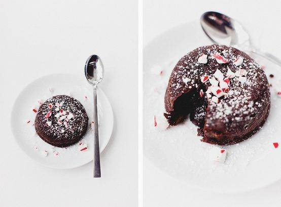 Chocolate Peppermint Molten Cake   nommy nom nom   Pinterest
