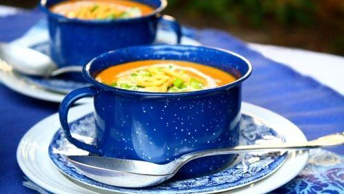 Potage de carotte au gingembre, cari et lait de coco