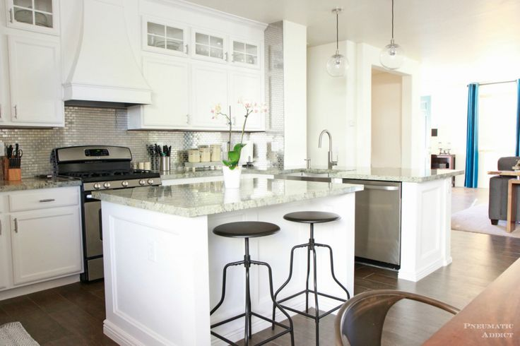 White Colors for Kitchen Cabinets - Small Kitchen Remodel Ideas On A Budget Check more at http://www.entropiads.com/white-colors-for-kitchen-cabinets/