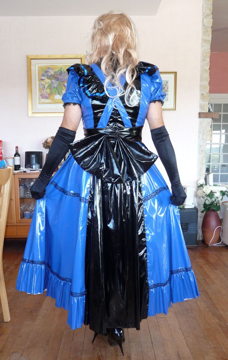 Rear view of new Victorian PVC dress. I soooo love the bow at the back.