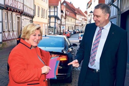 Ministerin Cornelia Rundt macht sich stark für ambulante Pflege und kleine Kliniken