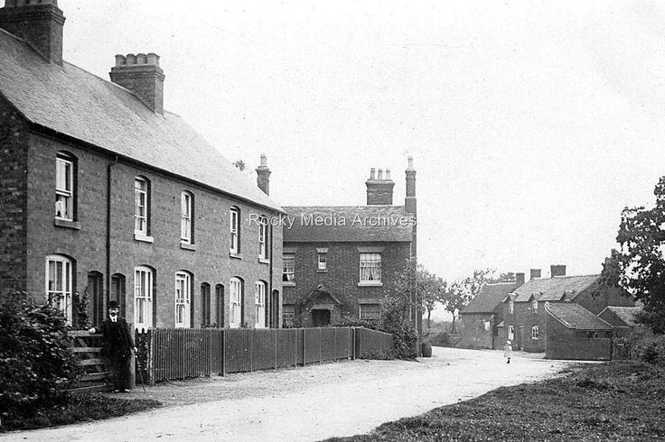 Lpg-44 Street Scene, Tamworth, Staffordshire. Photo