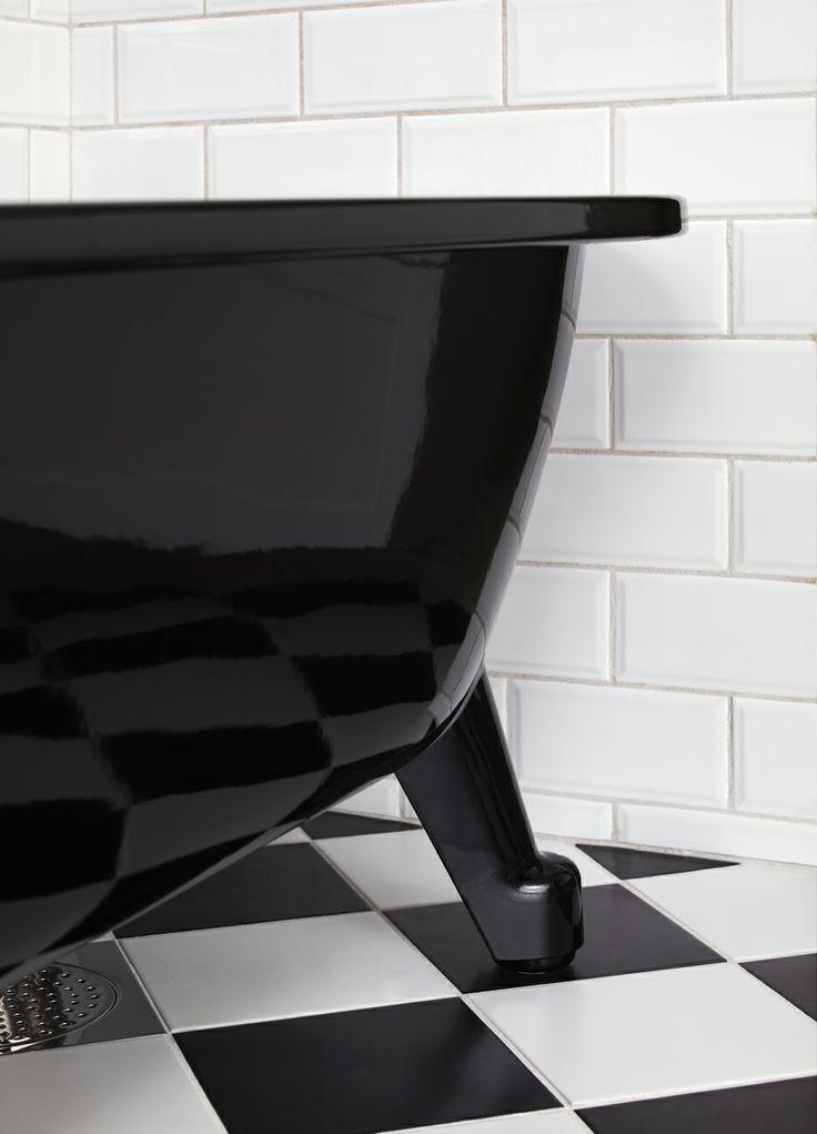 Badkar med tassar i svart utförande ger en effektfull känsla till ditt badrum. | GUSTAVSBERG