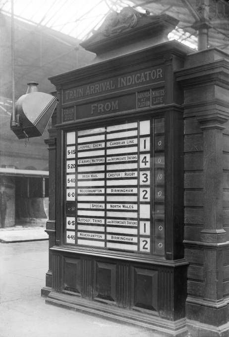 Train arrival indicator at the London & North Western Railway's Euston station, London, about 1905. The board told passengers on which platform the trains were arriving or departing, and whether they were on time or not! © National Railway Museum and SSPL http://www.nrm.org.uk/ourcollection/photo?group=Euston&objid=1997-7409_LMS_363