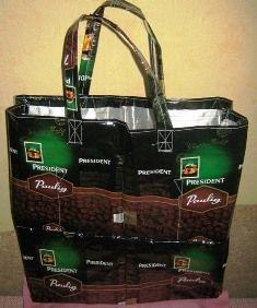 Хозяйственная сумка и пенал из упаковки для кофе и драже. Мастер-класс.