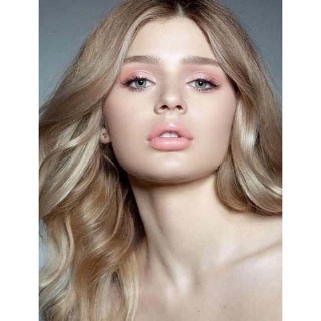 3 отметок «Нравится», 2 комментариев — Не парься! (@ne_parsya_zatarsya) в Instagram: «Отличная новость, для любителей минимализма!  Монохромный макияж на пике популярности! Достаточно…»