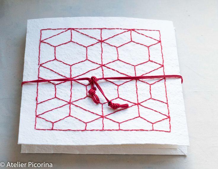 Carnet de voyage couverture en papier maché brodé motif inspiré du Sashiko