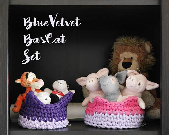 BlueVelvet BasCat Set - Where do you put your keys, wallet, watch and all that staff you usually carry, which you don't need at home? Wouldn't be nice to have it in one place? - crochet basket set 2 small baskets for her blue velvet for