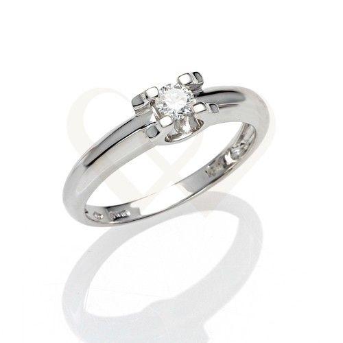 Fehérarany, szoliter jellegű gyémánt gyűrű, 0,18 CT gyémánt kővel. // White gold solitaire engagement ring with 0,18 CT diamond.