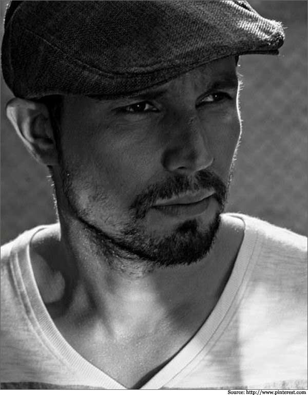 Randeep Hooda in smart casuals and a peak #cap. #randeephooda